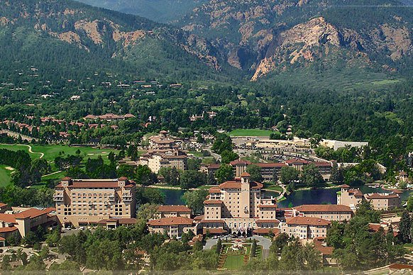 Broadmoor Living: There's No Place Better
