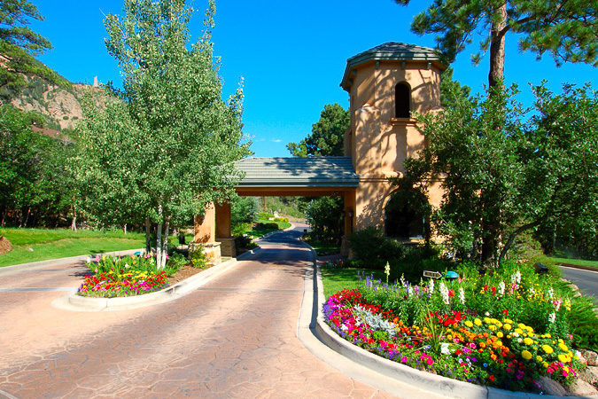 Broadmoor in Bloom